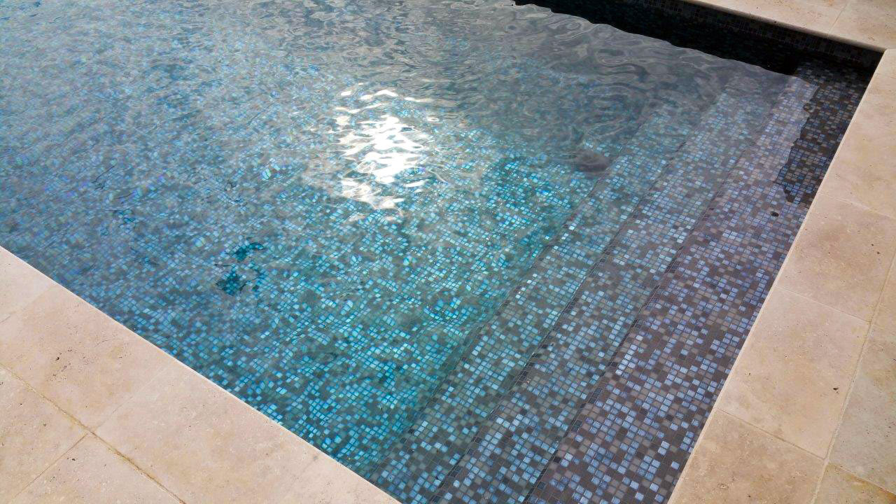 restauration carrelage joint epoxy piscine eze monaco italie